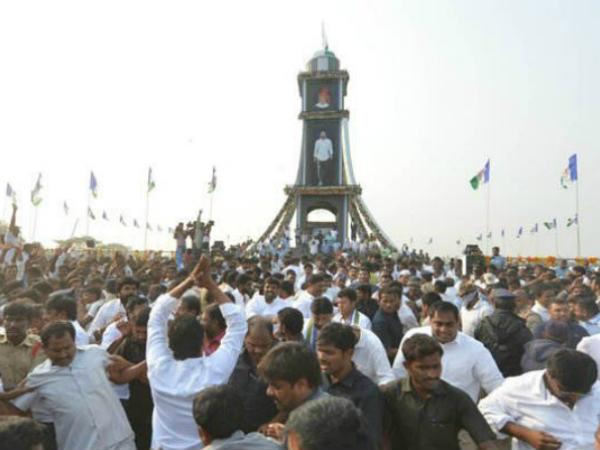 ys-jagan-pylon-ichapuram1
