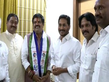 avanthi srinivas joining to ysrcp anakapalli