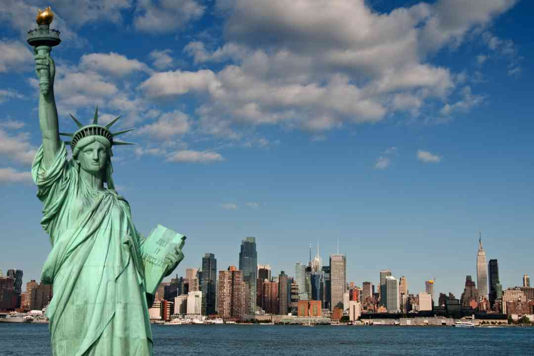 hd-wallpaper-of-statue-of-liberty-in-new-york