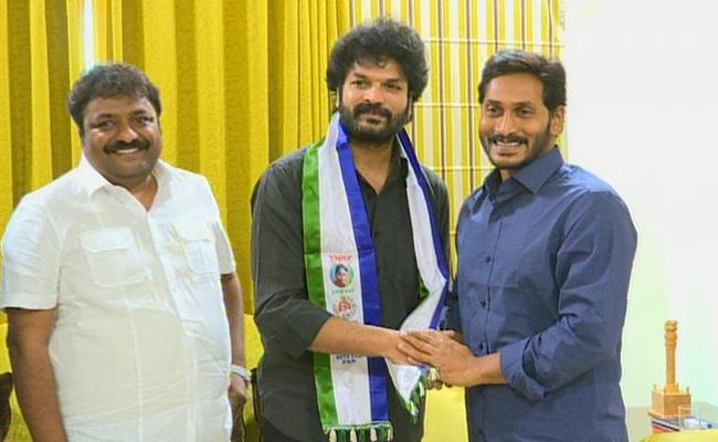 dasari arun kumar joins ysrcp, Newsxpressonline